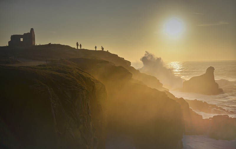 Coucher de soleil sur la côte sauvage